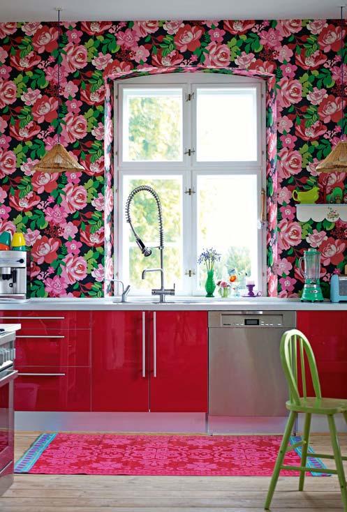 Cozinha colorida estilo kitsch