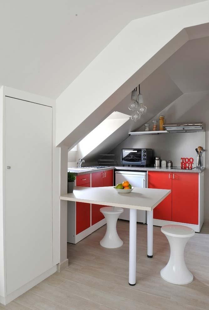 Mais uma cozinha compacta para otimizar o espaço pequeno disponível