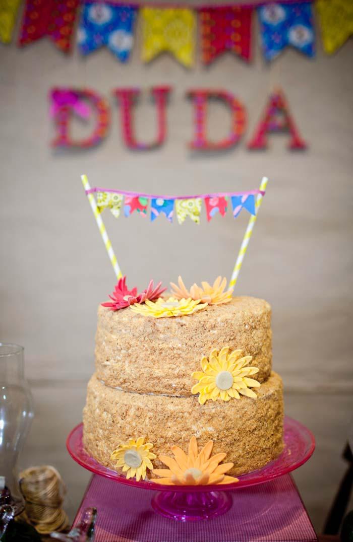 E se for o aniversário de alguém dá para comemorar no melhor estilo junino