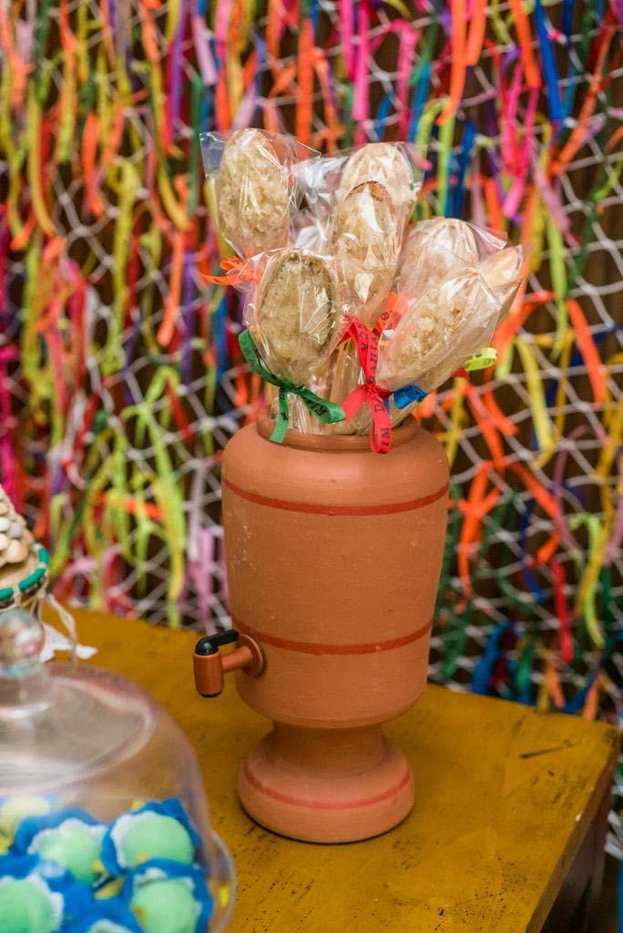 Decoração de festa junina: e que tal colocar o filtro de barro na brincadeira?