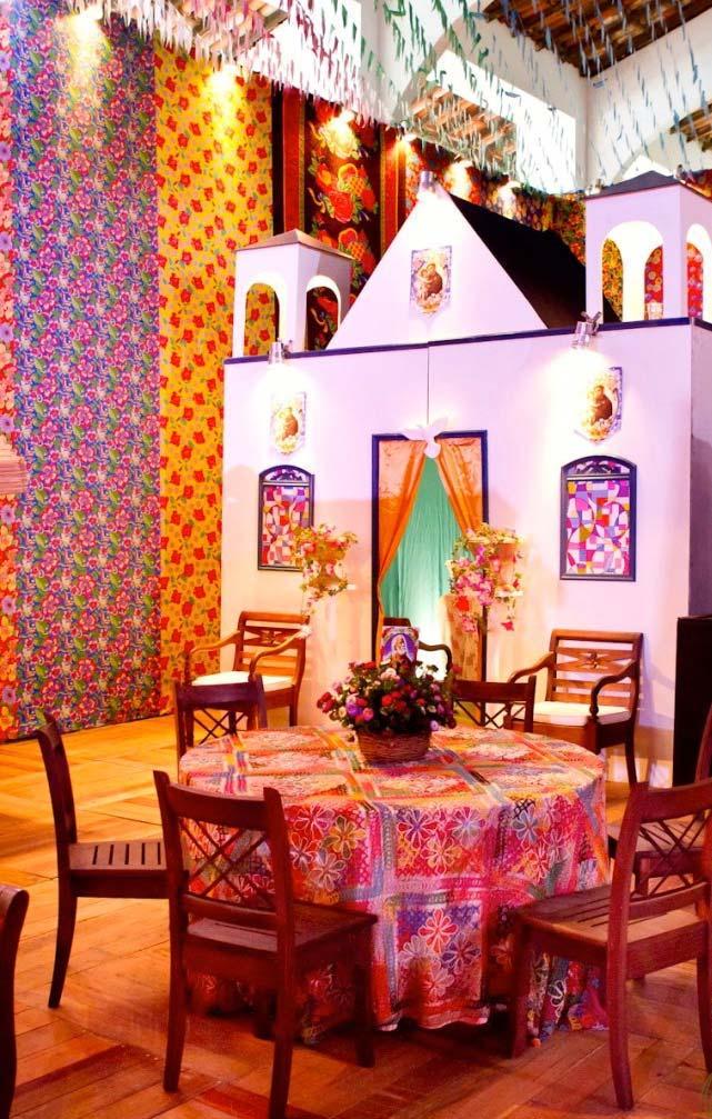 Cenário com igreja para festa junina