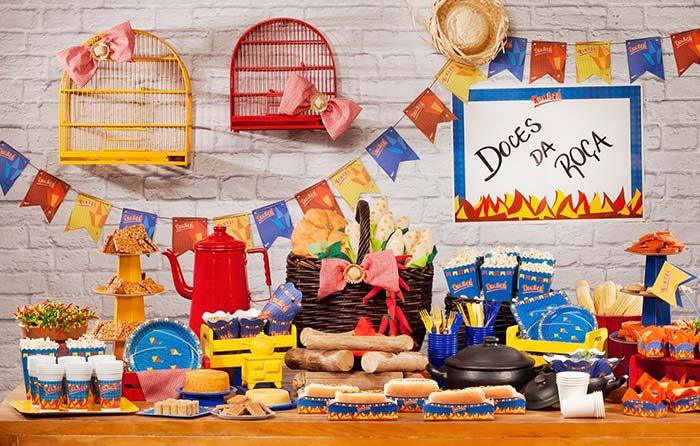 Decoração de festa junina: gaiola de passarinhos só para decorar