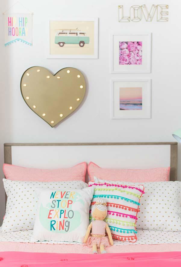 Parede decorada no quarto infantil