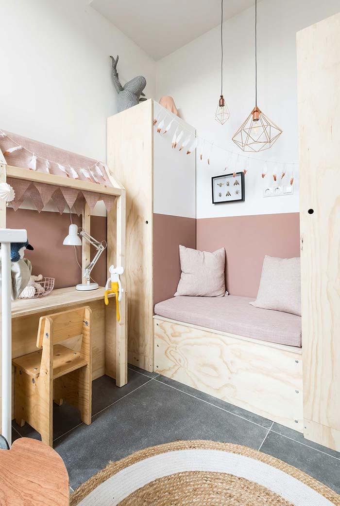 Quarto com mobiliário completamente planejado