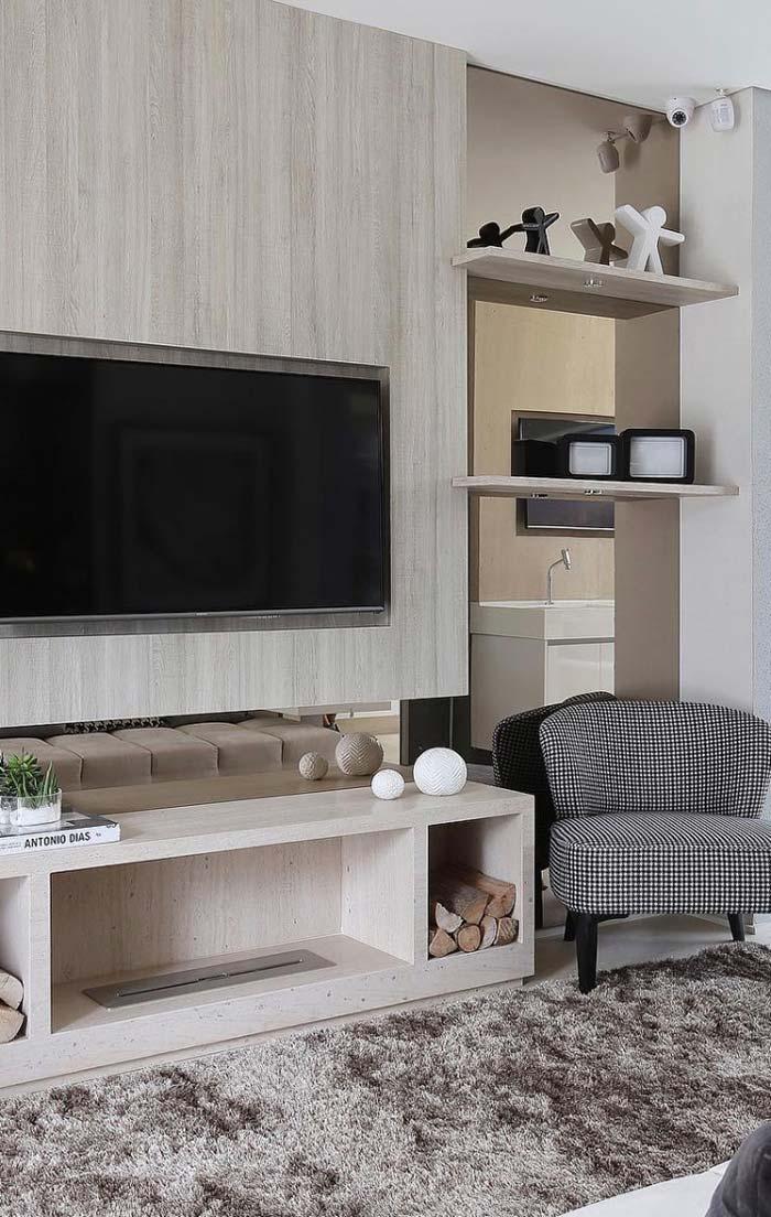 Painel para TV decora e otimiza espaço na sala de estar