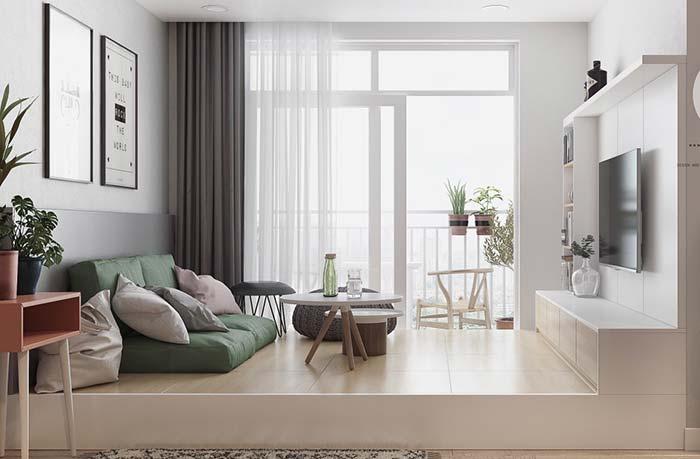 Sala de estar elevada com futon