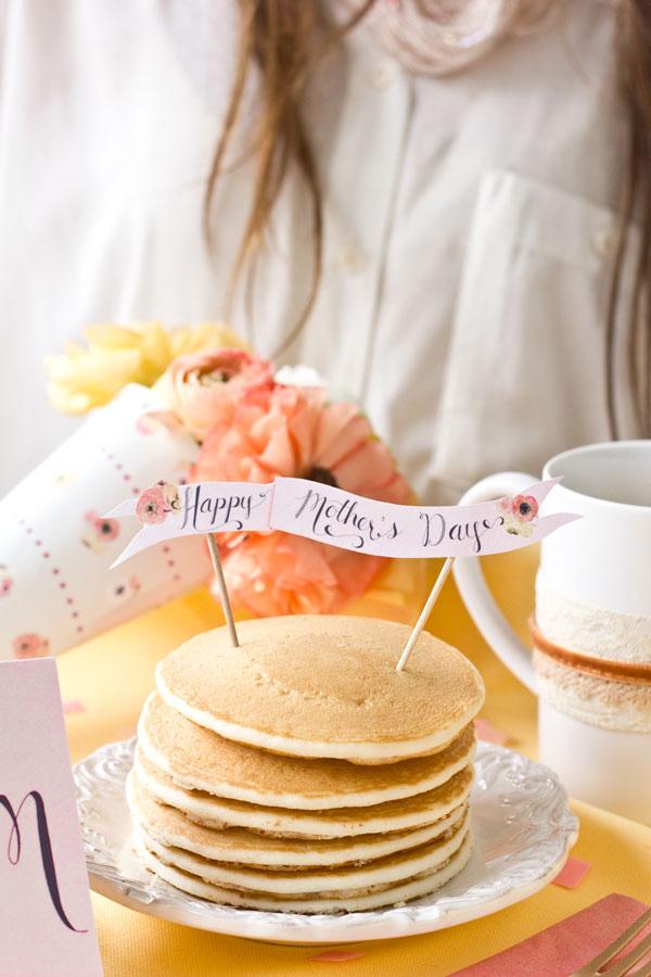 Panquecas para o café da manhã do dia das mães