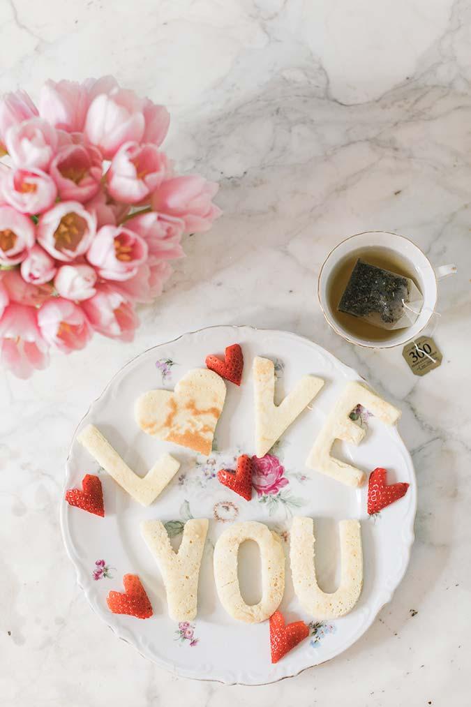 Escreva com a comida um recado especial para sua mãe