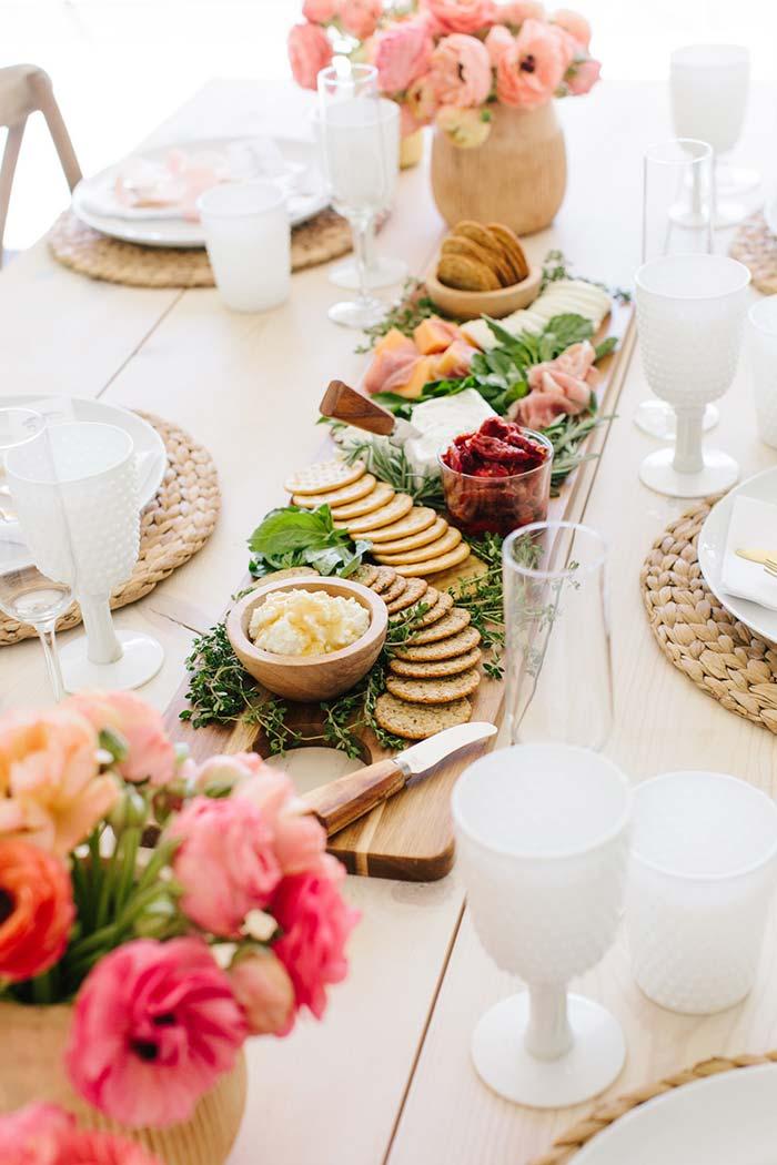 Enquanto o almoço não vem, as mães podem conversar e curtir uns aperitivos