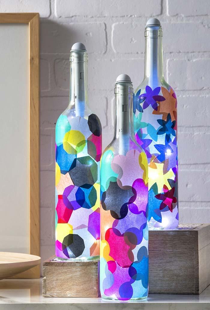 garrafa decorada com luzinhas de pisca-pisca