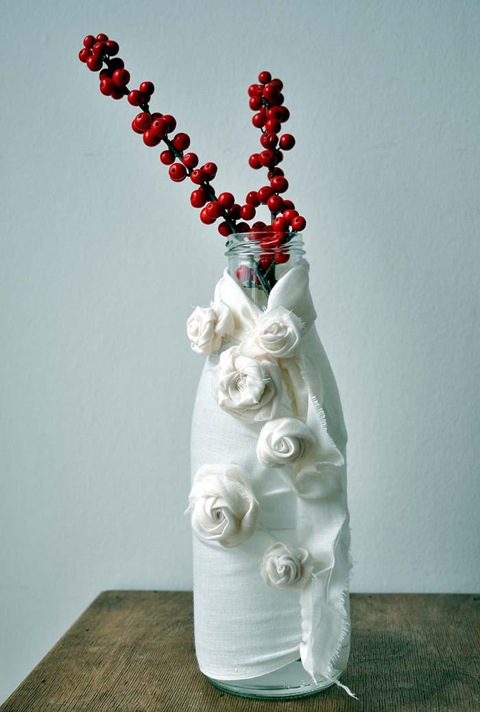Garrafa decorada com tecido