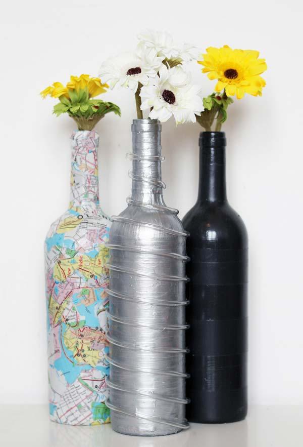 Conjunto de garrafas decoradas com diversos padrões