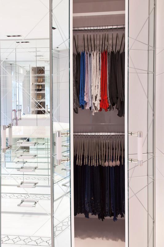 Portas e gavetas espelhadas