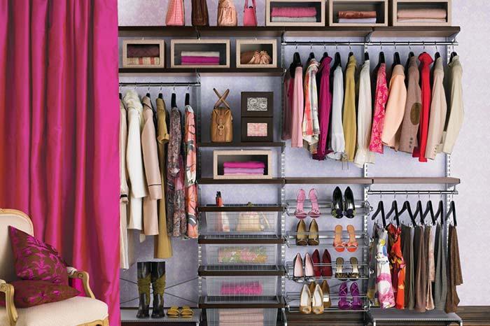 Modelo de closet com cortina