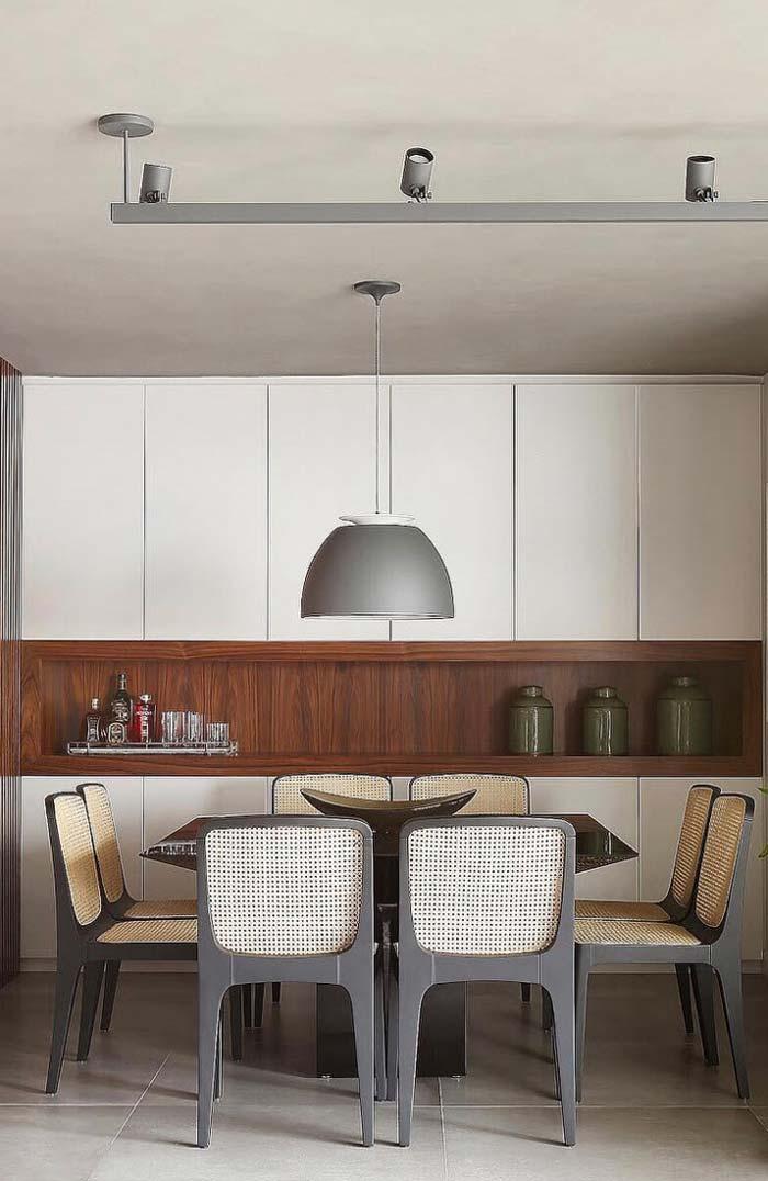 Lustre combinando com as mesas e cadeiras