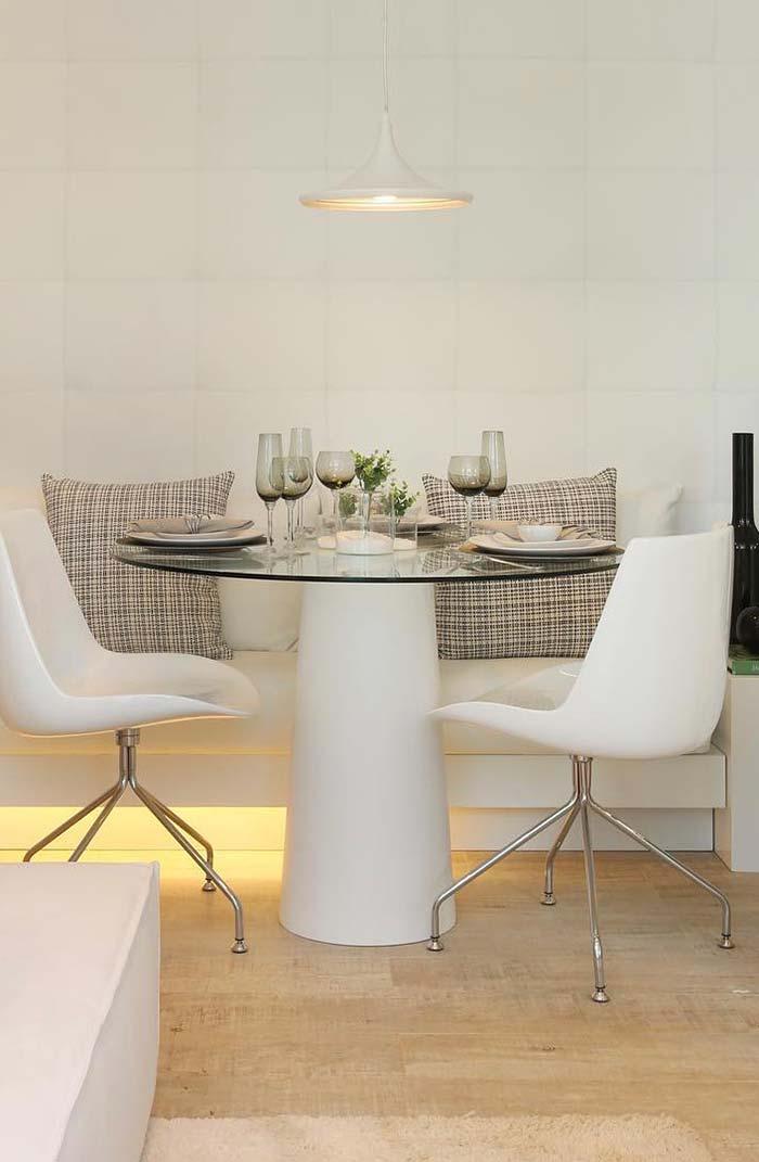 Sala de jantar decorada branca