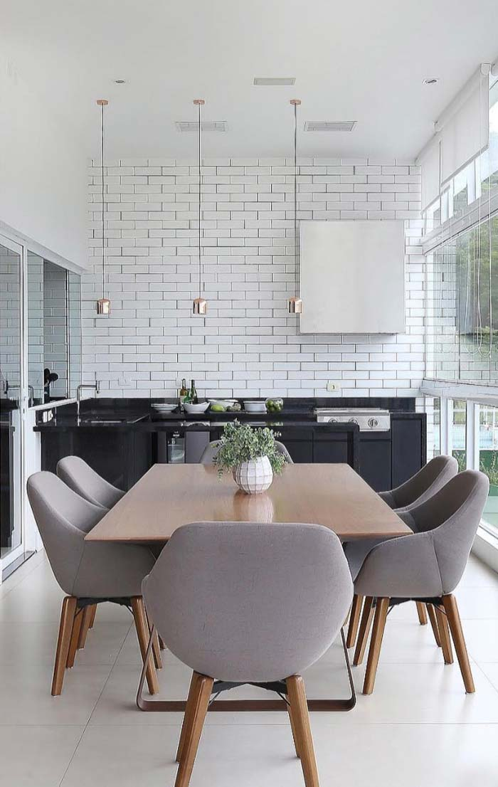 Cozinha e sala de jantar decorada integradas