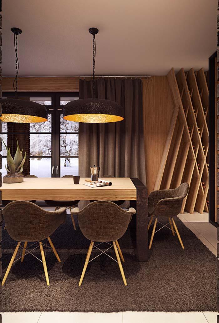 Sala de jantar com cadeiras baixas