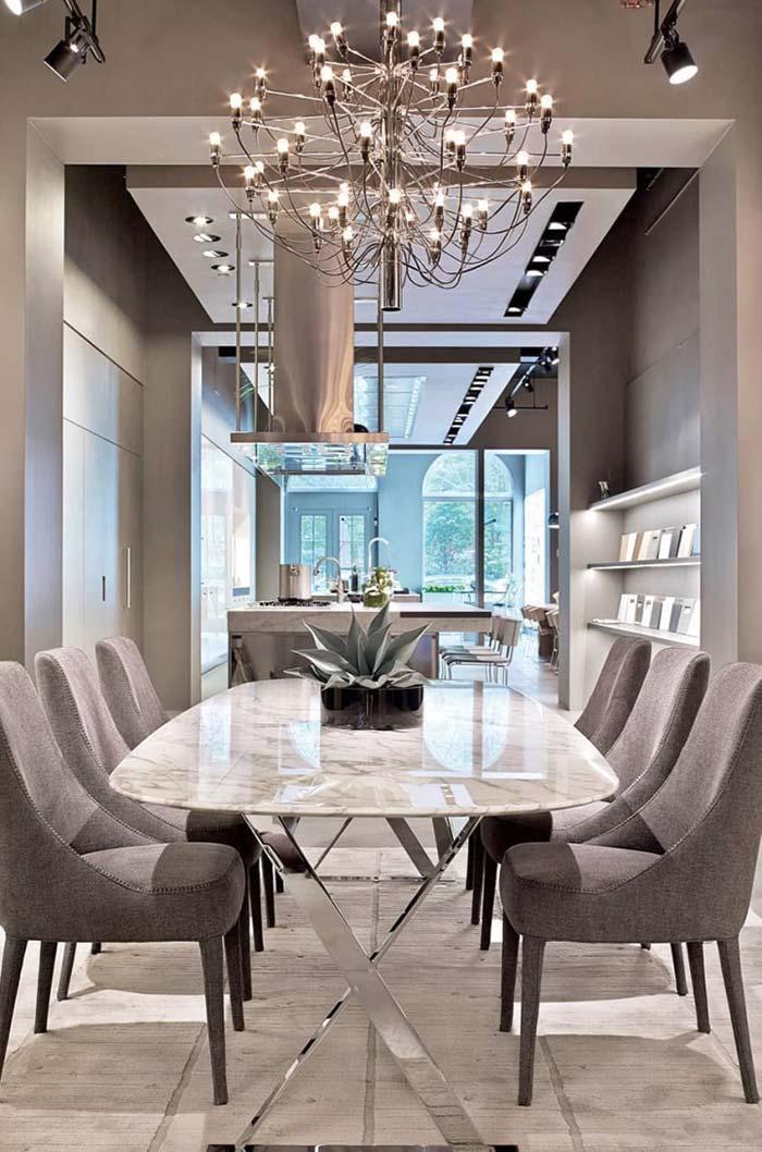 Sala de jantar luxuosa com detalhes clássicos e modernos