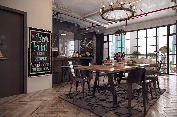 Sala de jantar delimitada pelo tapete
