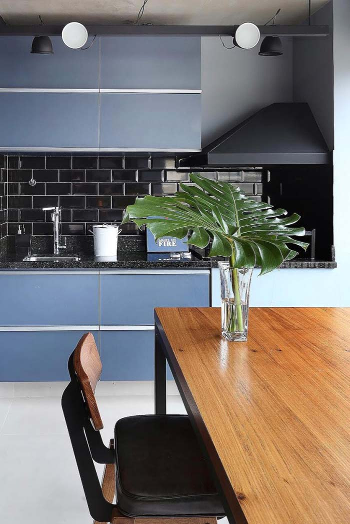 Varanda gourmet em cores: azul claro com preto