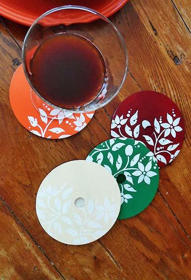 Artesanato com CD: porta-copos coloridos e personalizados