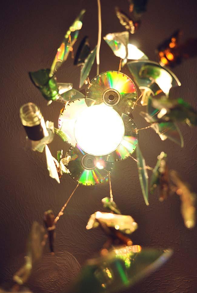 Luminária pendente com CDs