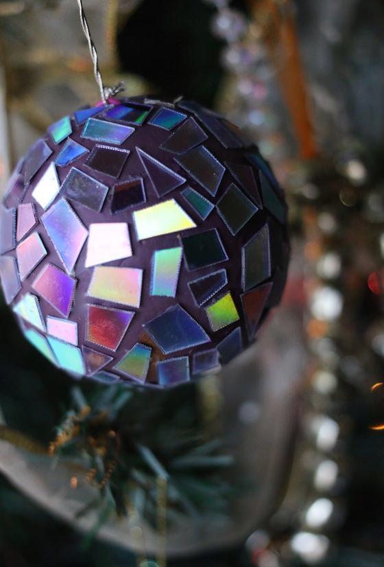 Artesanato com CD: globo de espelhos