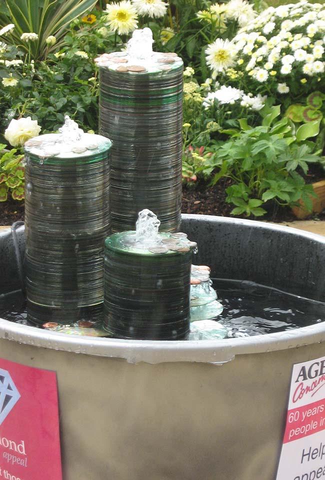 Fontes de água com CDs