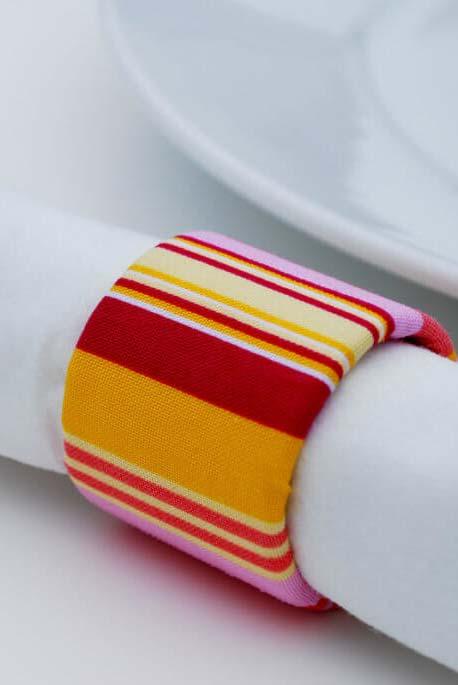Porta guardanapo feito com artesanato de rolo de papel higiênico