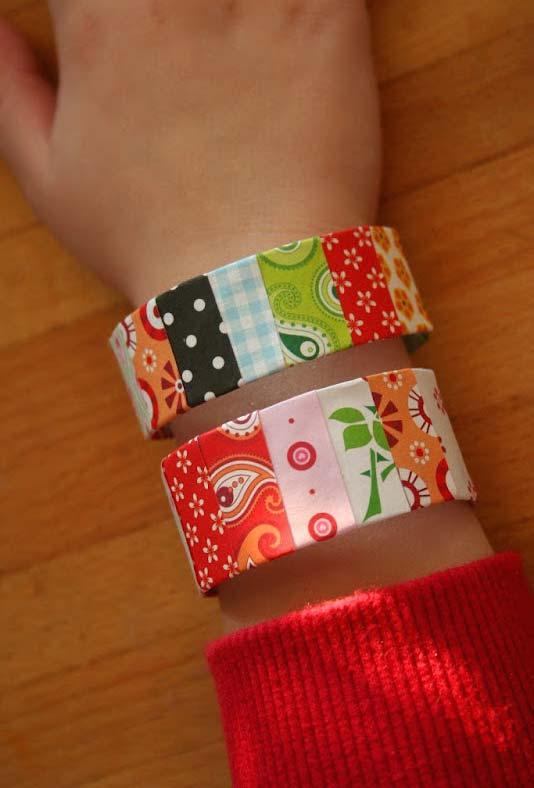 Artesanato com rolo de papel higiênico: pulseira
