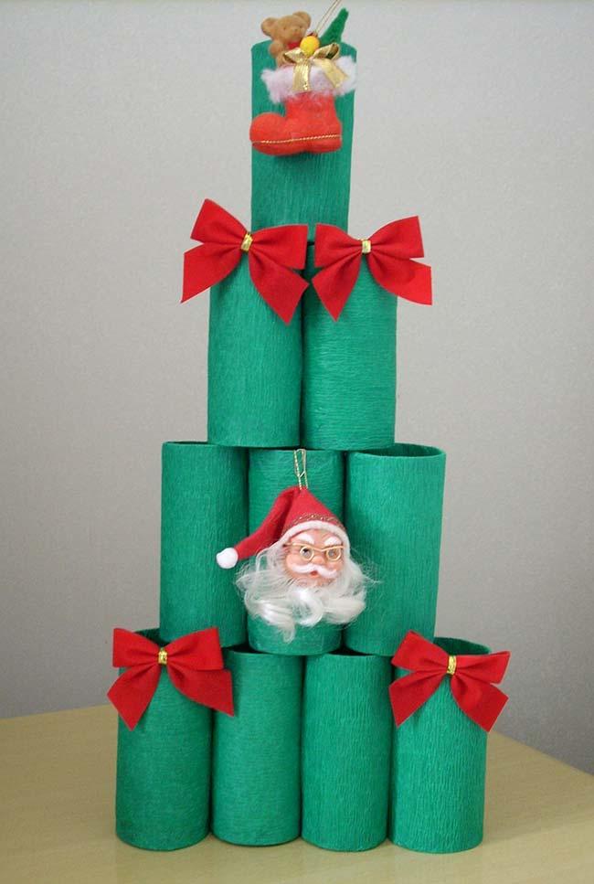 Artesanato com rolo de papel higiênico: uma árvore de natal diferente