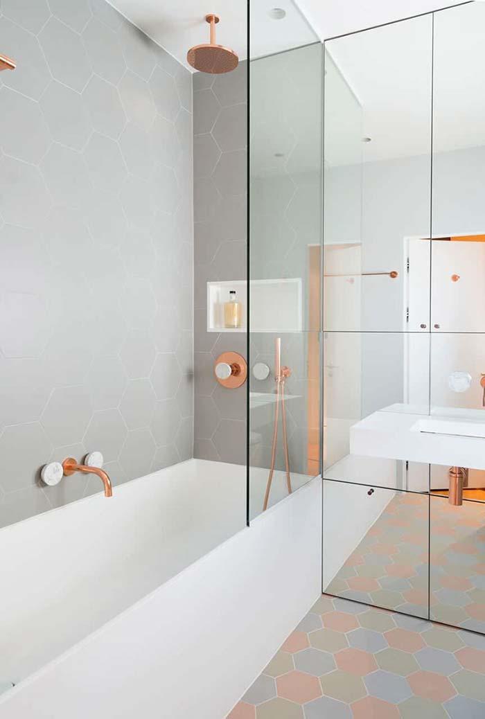 Banheiro moderno com banheira