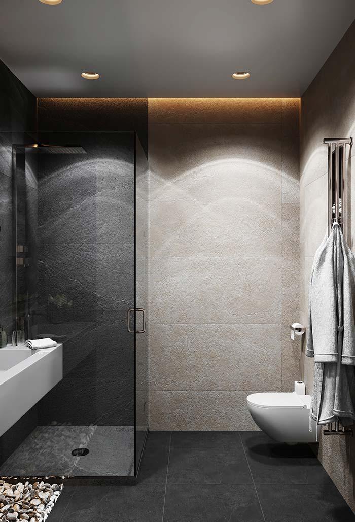 Banheiro moderno limpo de decoração