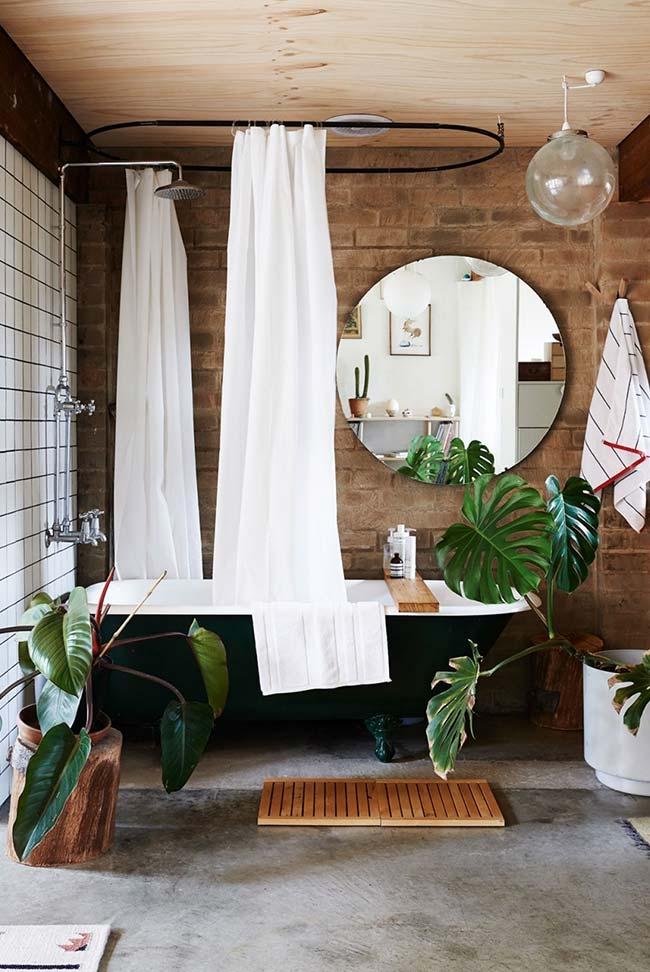 Banheiro moderno em tijolo aparente