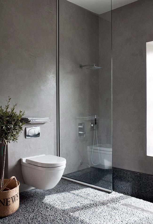 pedrinhas texturizadas no banheiro inteiro