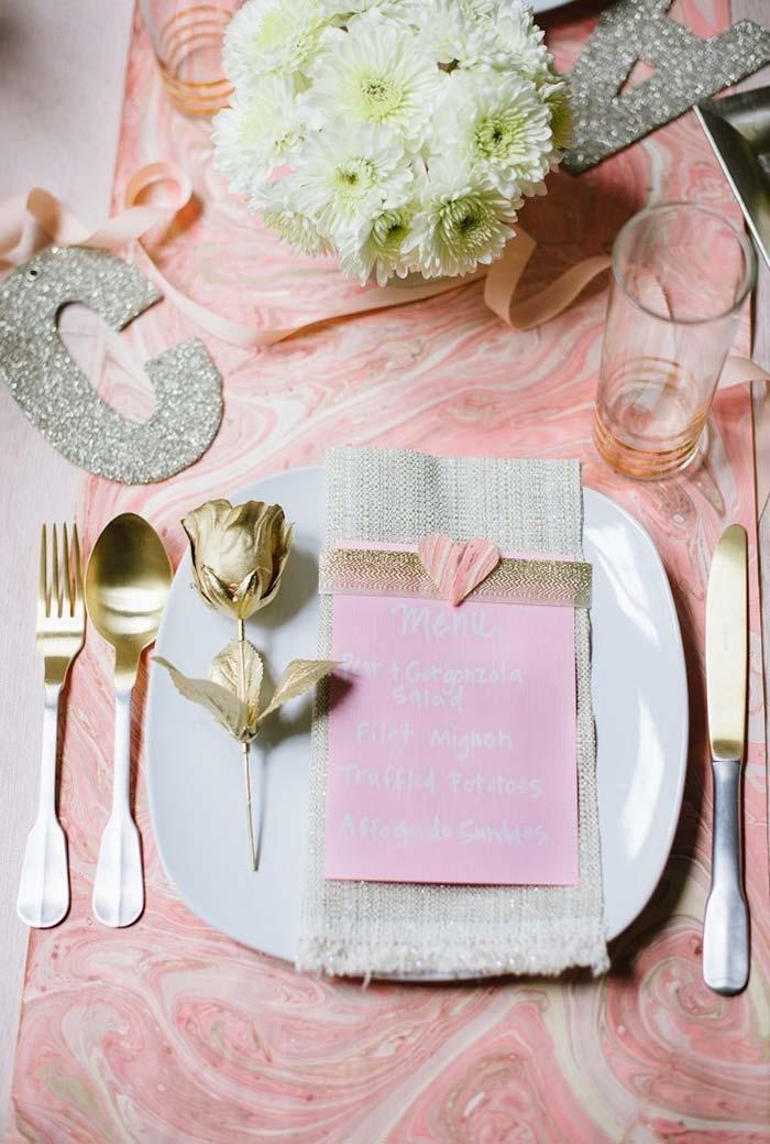 Rosinha na decoração do Dia dos Namorados