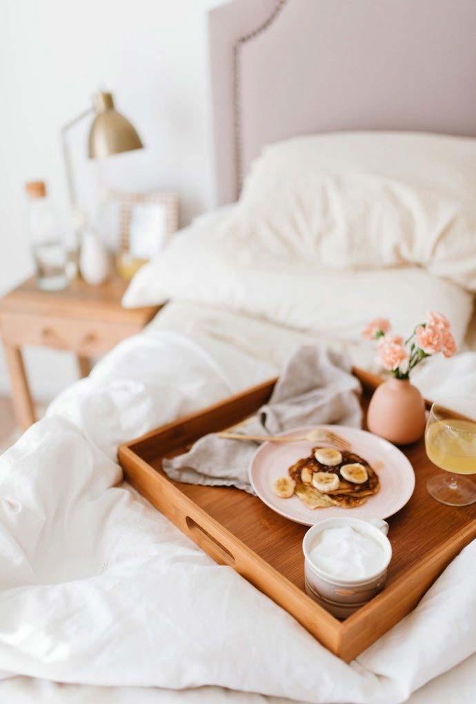 Bandeja de café da manhã para o Dia dos Namorados