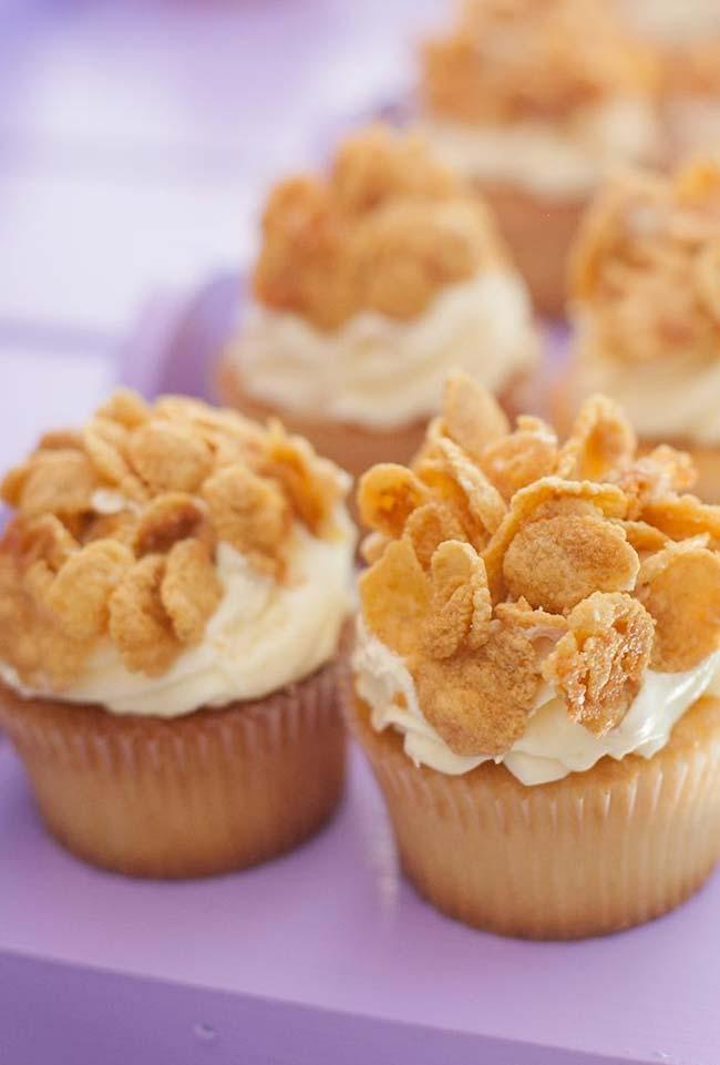 muffins decorados com cereal matinal de milho