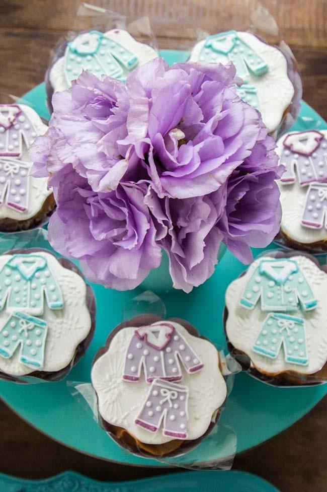 Decoração de pasta americana de cupcakes para a temática da festa