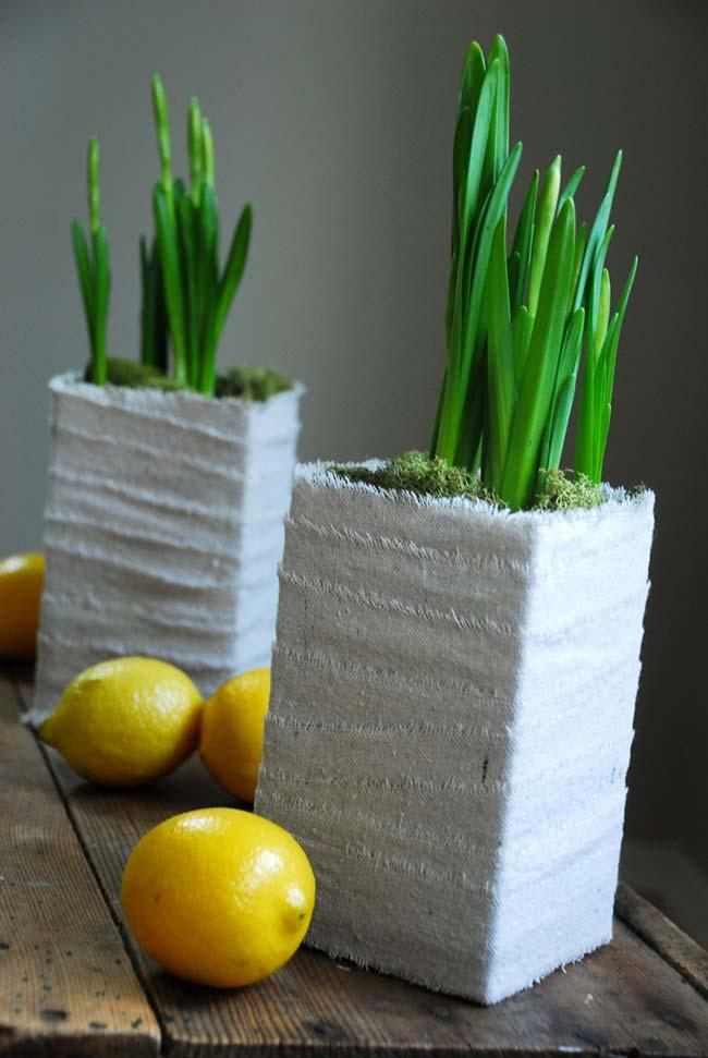 Artesanato com caixa de leite: vasos e cachepots quadrados para você cultivar suas plantinhas