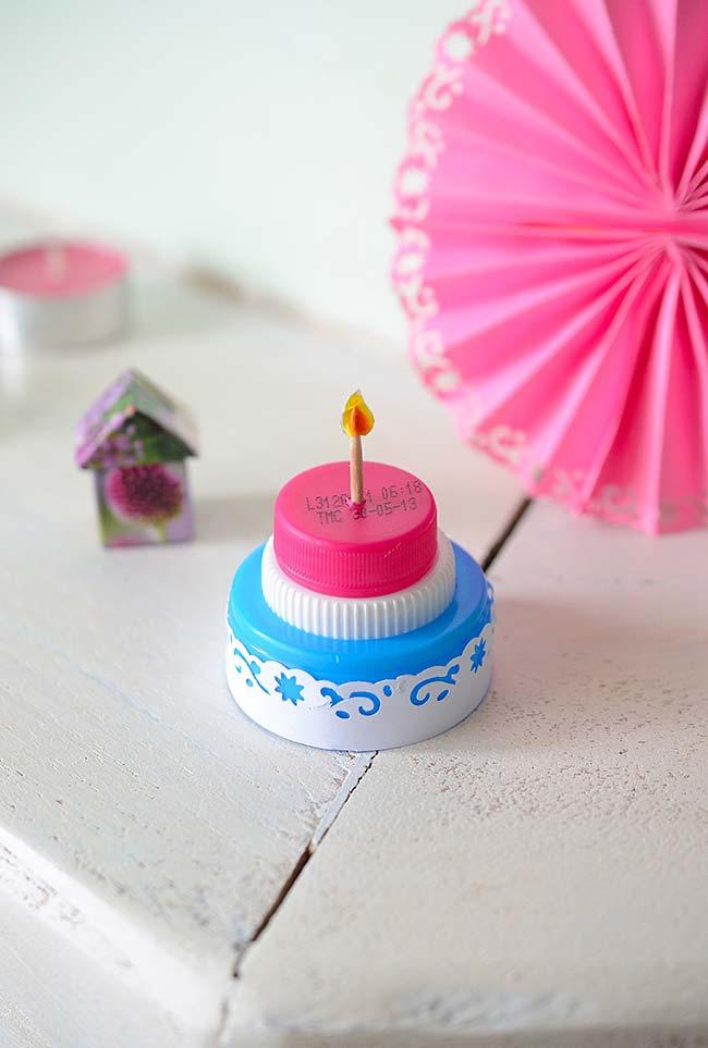 Miniaturas para a casinhas de bonecas com artesanato de garrafa pet