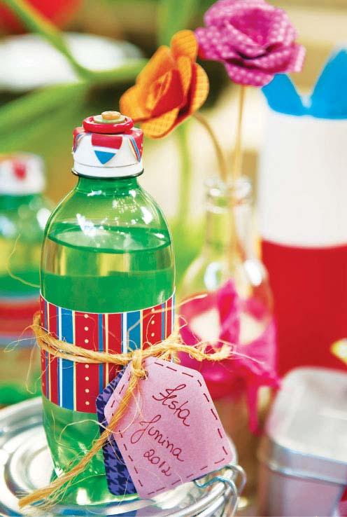 Garrafinha pet de água customizada no tema das suas festas