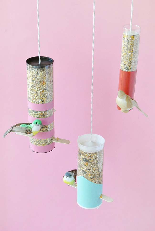 Outro alimentador para pássaros super criativo com artesanato de garrafa pet