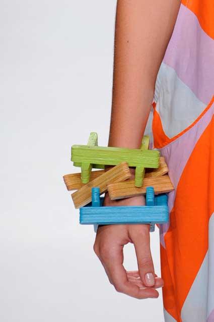 Acessório de artesanato com palito de picolé