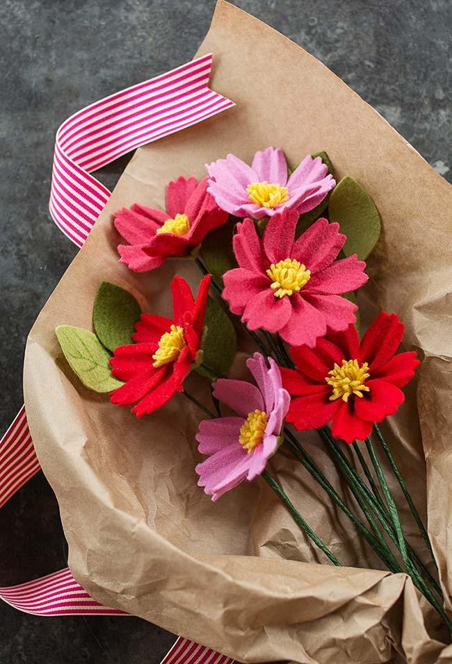 Flores artificiais em feltro