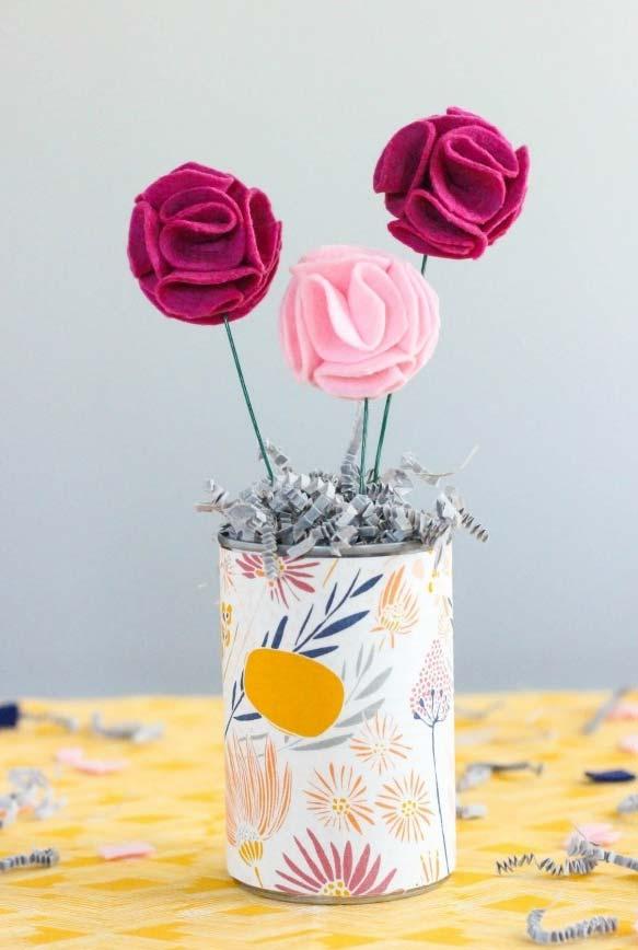 Flores em feltro para usar em casa