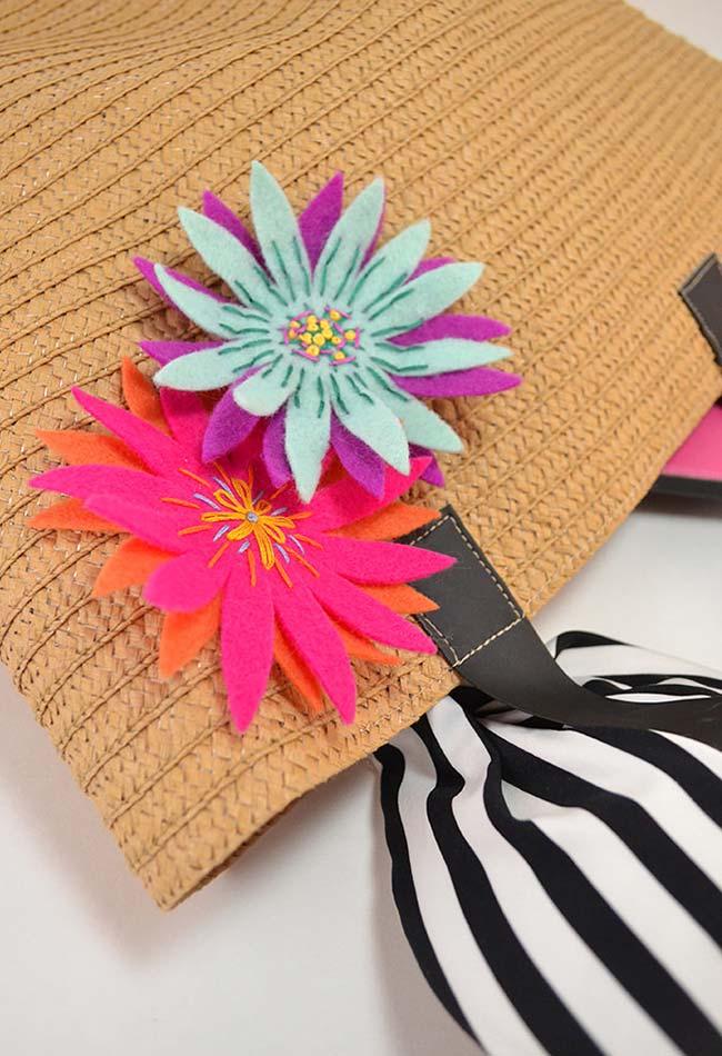 Toque personalizado colorido em feltro