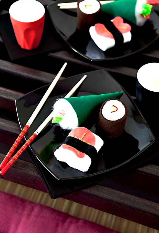 Jantar de faz de conta com artesanato em feltro
