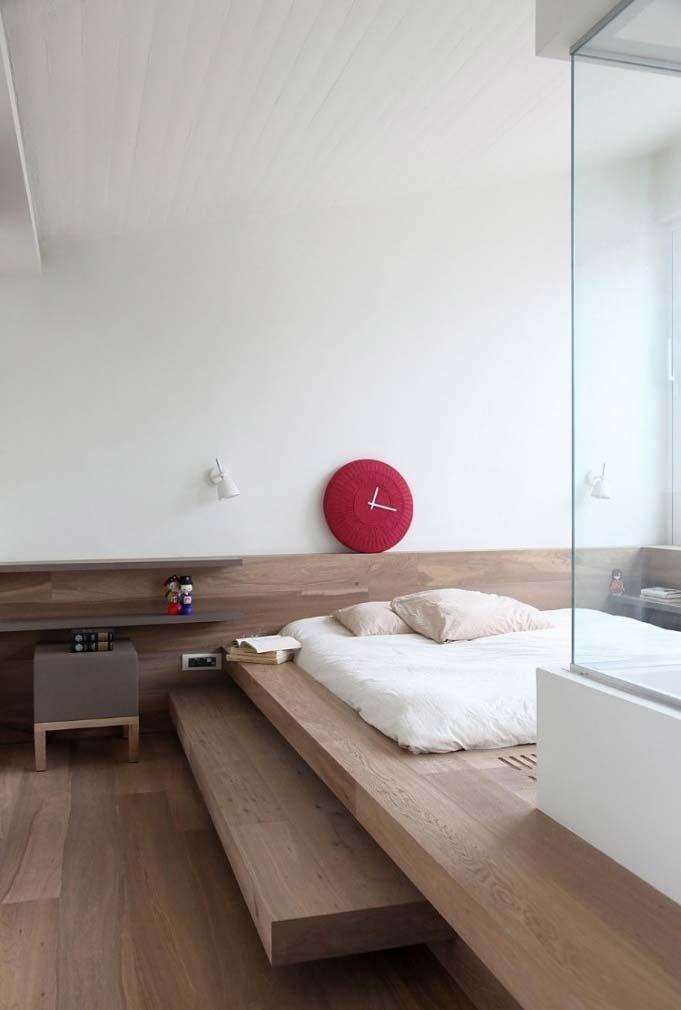 Cama elevada com colchão